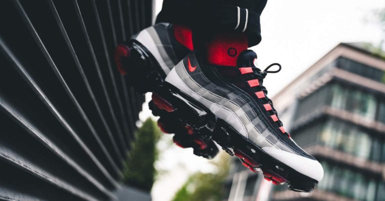 """be3fe31103b7a8 NIKE AIR VAPORMAX  95 """"HOT RED""""  152.00 FREE SHIPPING   Sneaker Steal"""