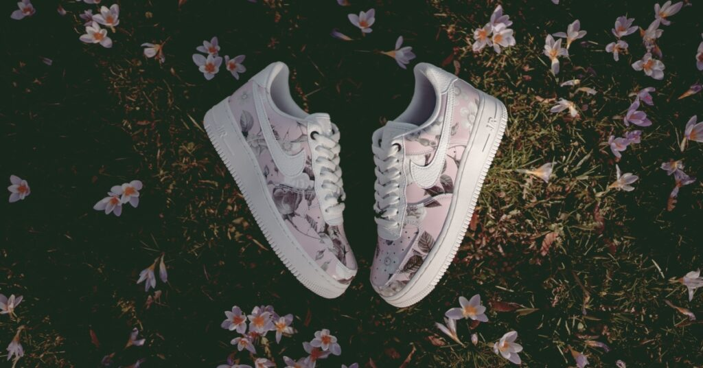 low priced 099a0 c767d Women s Nike Air Force 1  07 LXX  Floral  FREE SHIPPING